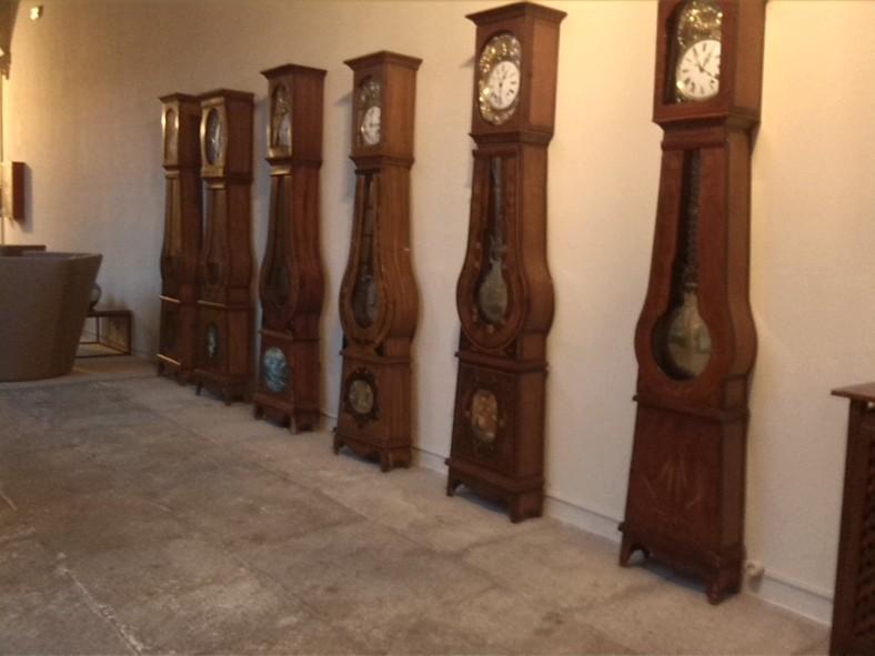 Relojes en fila
