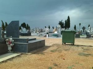 Cementerios en martes y trece