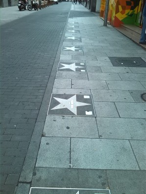 Estrellas de cine por los suelos