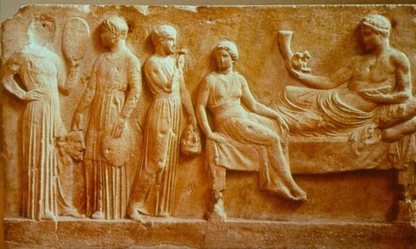 actores-llevando-ofrendas-a-dioniso-museo-arqueologico-nacional-de-atenas