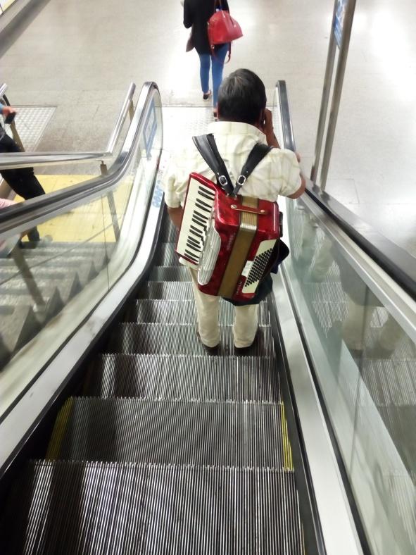Con la música a cuestas